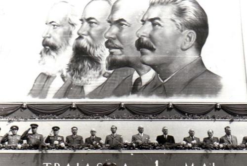 """Nota: M. B. Mitin era super-consilierul sovietic, redactorul sef al revistei Cominformului, """"Pentru pace trainica, pentru democratie populara"""" care isi avea sediul la Bucuresti"""