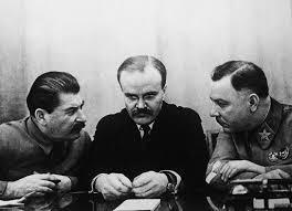Tiranul și lacheii săi: Stalin, Molotov și Voroșilov