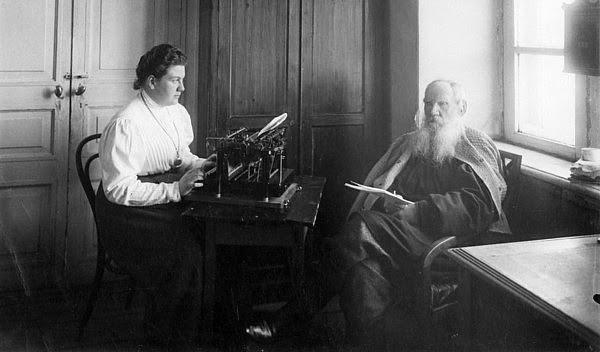 Lev Tolstoi – Originea poetică a
