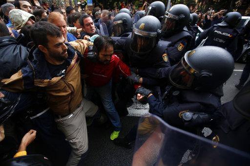 Catalonia: Suprarealismul elitelor e